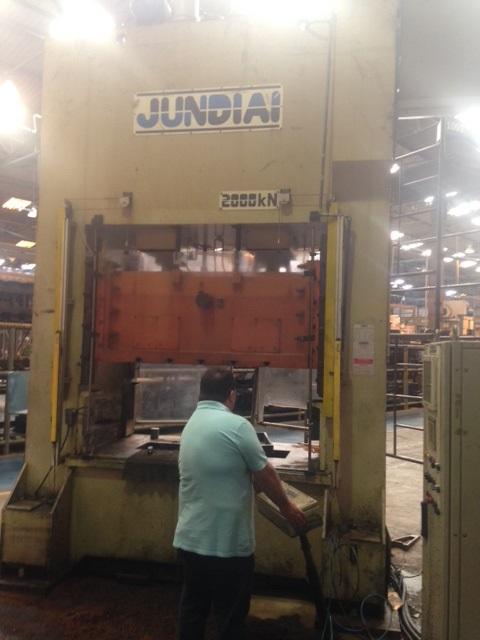 Prensa Exc. Freio e Fric��o  Jundia� 200 ton